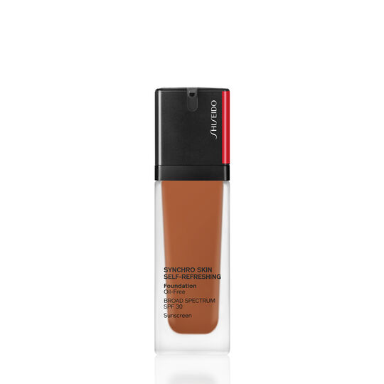 A magnified image of SYNCHRO SKIN SELF-REFRESHING Foundation SPF 30