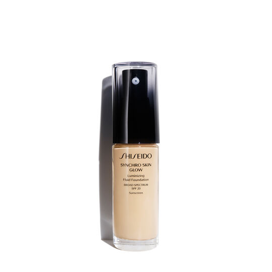 A magnified image of Synchro Skin Glow Luminizing Fluid Foundation