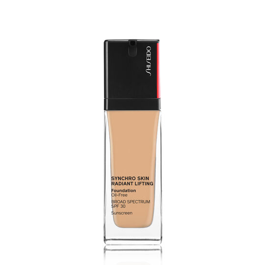 A magnified image of SYNCHRO SKIN RADIANT LIFTING Foundation SPF 30